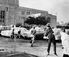 Violent clashes erupted outside of Oliver High School in Sept. 1969. (Al Herrmann Jr./The Pittsburgh Press)