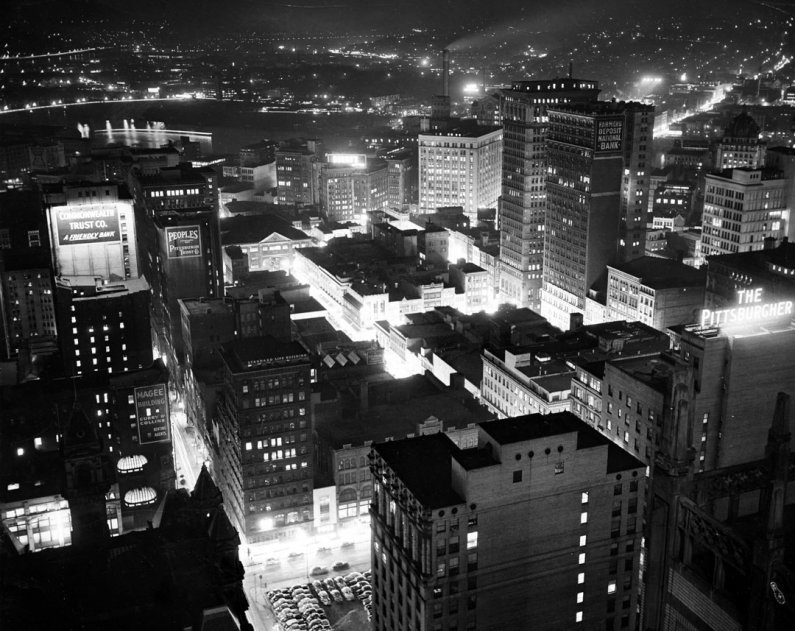 Downtown, looking west, circa 1955. (Pittsburgh Press photo)