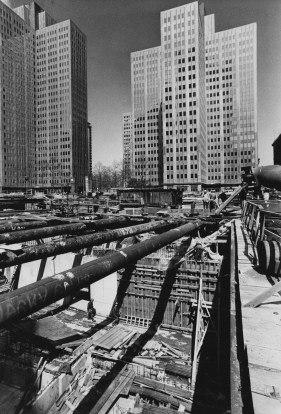 April 25, 1983: Subway construction at Liberty and Stanwix where the subway turnaround was located. (James Klingensmith/Post-Gazette)