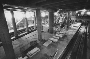 """April 26, 1984: """"Before"""" at the Steel Plaza station. (Mark Murphy/Post-Gazette)"""
