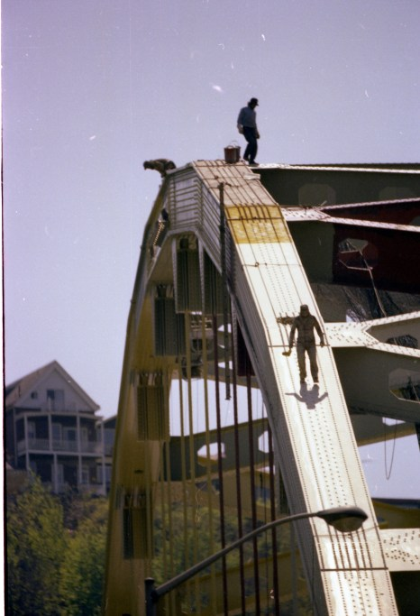Two workers from the painting crew atop the Fort Pitt Bridge, 1981. (Post-Gazette photo)