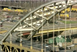 Fort Pitt Bridge under construction, 1981. (Post-Gazette photo)