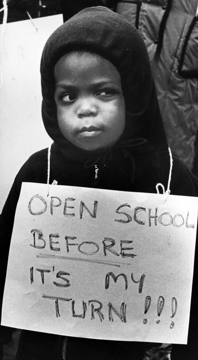 Javin Taylor, 3, joined 30 parents, students and other toddlers who gathered to demonstrate their frustration with stalled talks in November 1991. (Ross Catanza/The Pittsburgh Press)