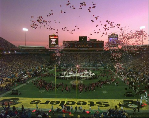 Balloons are released over Sun Devil Stadium during the halftime festivities of Super Bowl XXX in Tempe, Ariz. (Elise Amendola/Associated Press)