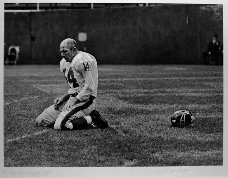 This is Pittsburgh Press photographer Don Stetzer's picture of Y.A. Tittle.