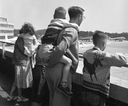 August 1952: One family watches planes from the observation deck. (Stewart Love/The Pittsburgh Press)