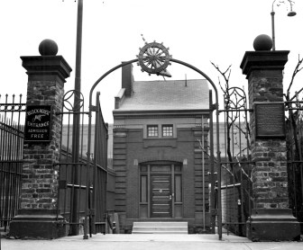Custodian's house and entrance to the Fort Pitt Blockhouse in December 1936.