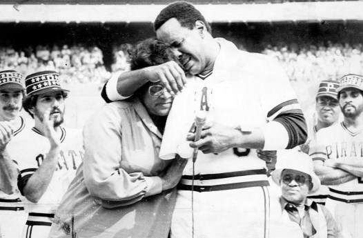 Emotion gets the better of Willie Stargell as he embraces his mother during Stargell Day ceremonies in 1982. (Pittsburgh Press)