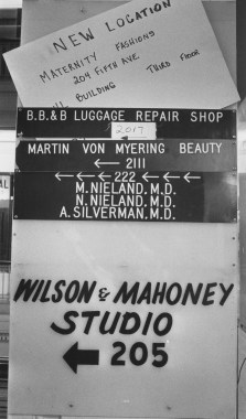 Jenkins Arcade shop signs on Nov. 31, 1983. (Post-Gazette)