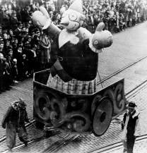 The Pittsburgh Christmas parade in November of 1956. (Post-Gazette)