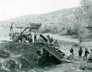 Archeological research led by the New Jersey State Museum included mechanical screening at the Pahaquarra Boy Scout Site in the Upper Delaware. (National Park Service, DEWA Archives)