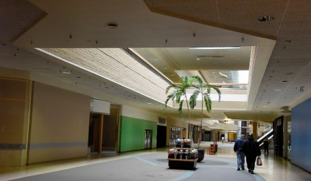 The interior of the Century III mall in West Mifflin (Darrell Sapp/Post-Gazette)