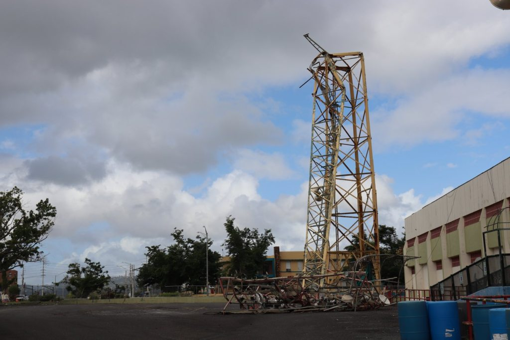 This communications tower outside of Parque Yldefonso Sola Morales, the baseball stadium in Caguas, folded over during Hurricane Maria. (Elizabeth Bloom/Post-Gazette)