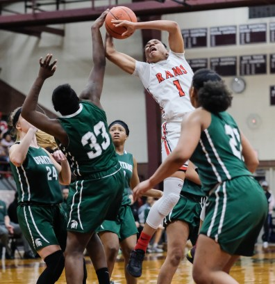 Rogers' Zia Cooke (1) shoots against Start's Chy'rah Isom (33) during the girls City League championship basketball game Thursday, February, 14, 2019, in Toledo, Ohio. Rogers defeated Start 52-50.THE BLADE/JEREMY WADSWORTH SPT CLfinal15p