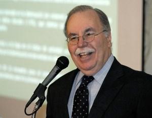 Author José J. Villamil is Chairman of economic, market strategies and planning consulting firm Estudios Técnicos Inc. (Credit: © Mauricio Pascual)
