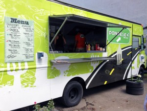 "The 'Dondesea"" food truck offers a menu of fresh options in the heart of Santurce."