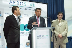 From left: Ports Executive Director Víctor Suárez, Aerostar CEO Agustín Arellano, and Carolina Rep. Angel Matos during Tuesday's news conference.