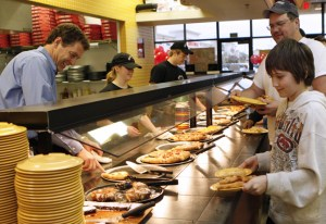 CiCi's Pizza's plans call for opening restaurants on the island and elsewhere by 2015.