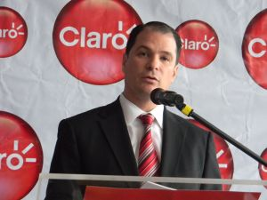 Claro President Enrique Ortiz de Montellano talks about the company's new IPTV service.