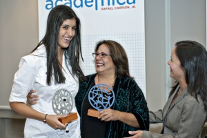 From left: Student Patricia Aponte, teacher Maria Gisela Rosado — who also received an award — and Foundation Director Beatriz Polhamus.