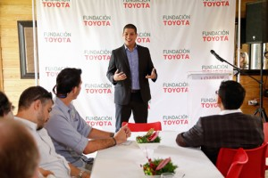 Rafa Cancel, member of the Toyota Foundation evaluating committee, delivered a special message to grant recipients.