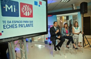 From left: Eduardo Negrón, executive vice president of Popular's management group, Mariel Arraiza and XXX offer details of the new campaign during a news conference Tuesday.