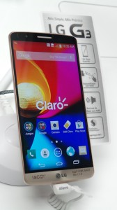 The LG G3 smartphone's design places emphasis on the screen size, the camera and the overall design, company officials said.