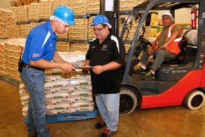 Sam's Club Puerto Rico estimated that it will export a total of 22,599 20-pound short-grain rice bags to the 12 Florida club stores, and 10,044 20-pound bags of long-grain rice to the eight stores by year's end.