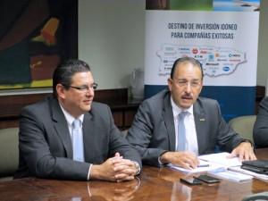 From left: Antonio Medina, executive director of the Puerto Rico Industrial Development Company and Iván Lugo, executive director of INDUNIV.