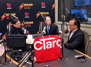 From left: WKAQ Radio personality Rubén Sánchez, Claro President Enrique Ortiz de Montellano, and WKAQ Station Manager Jorge Bauzá offer details of the new joint venture.