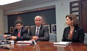 From left: Francisco Chévere, Alberto Bacó and Ingrid Rivera, during Tuesday's news conference.