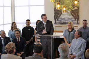 Gov. García-Padilla offers his remarks during the ribbon-cutting ceremony for the newest Hyatt property to open in Puerto Rico.