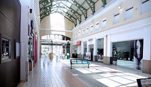The Montehiedra Town Center, located in Cupey, is a one-level enclosed mall with about 100 stores.