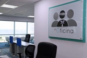 La Oficina offers a variety of alternatives including private office spaces, workstations in the shared creative space, and virtual office services for customers who work remotely.
