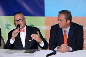 From left: Mennonite Health System Executive Director Pedro Meléndez-Rosario and Coamo Mayor Juan Carlos García-Padilla.