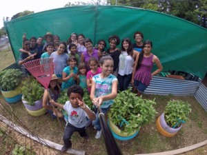 "The ""Sembrando Vida Verde en el Este"" project enables middle-school students to develop planting and recycling projects, as well as maintenance of a henhouse."