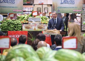 Gov. García-Padilla announces the sale of locally harvested rice at Econo Supermarkets locations islandwide.