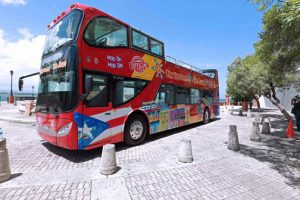 The tours will run from Old San Juan to the Condado and Isla Verde sectors, allowing tourists to catch the bus from any of the 30 stops along the route.