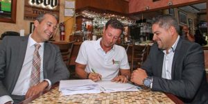 During the signing, from left: FirstBank's Ildefonso Rodríguez, Alex Gomez, president of Tijuana's Bar & Grill, and y Felix Planas, of FirstBank's Small Business Unit.