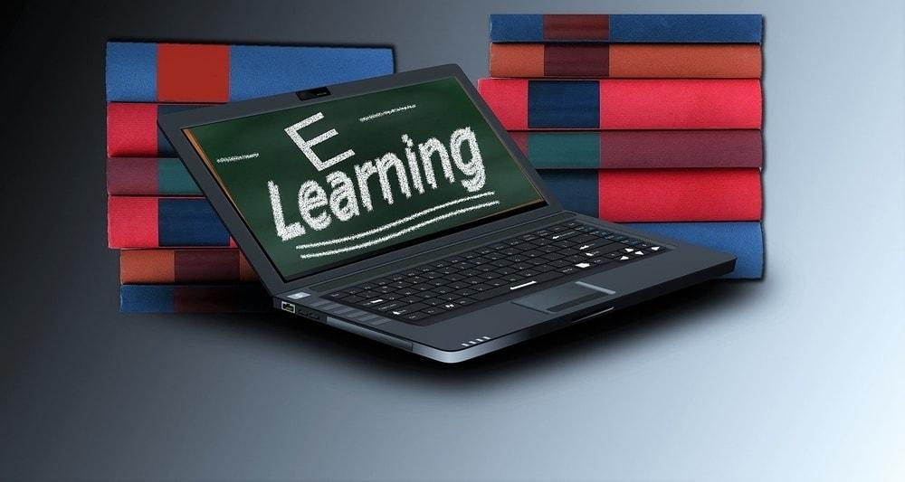 Didattica a distanza: classi virtuali, compiti a casa e voti online