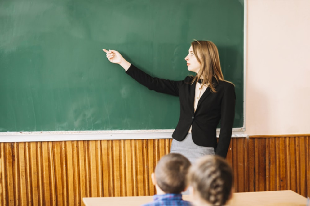 Stipendi Scuola: i maestri italiani guadagnano il 12% in meno rispetto alla media UE