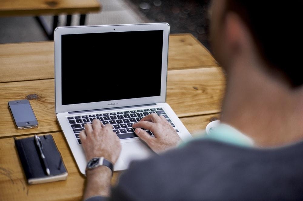 Corso Dattilografia Online riconosciuto Miur: costo e punteggio