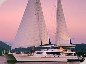 Cairns-sailing-dinner-cruise