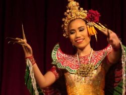 Thai-Dinner-and-Classical-Thai-Dance-Tour-from-Bangkok-Thailand