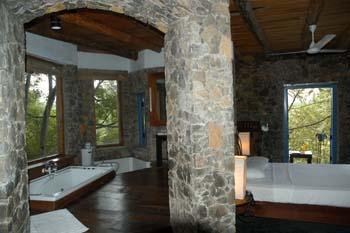 Boulder Garden Hotel Resort Kalawana Sri Lanka - Living