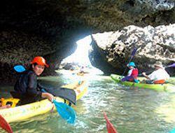 sea-kayaking-at-ang-thong-national-marine-park-from-koh-samui-in-koh-samui