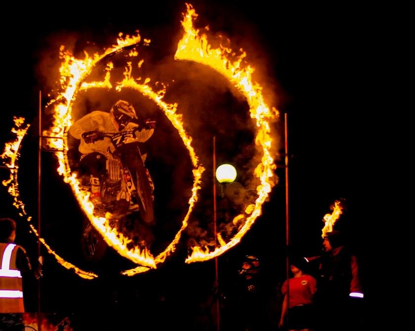Новый фильм про Венома, огненный мототеатр иходьба для всех: развлечения вКрасноярске вэти выходные
