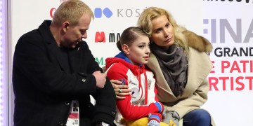 From leader to outsider: Figure skating champ Alena Kostornaia wants return to Eteri Tutberidze after disastrous season – reports
