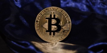 Bitcoin rally extends into fifth day as major players voice support for cryptocurrency