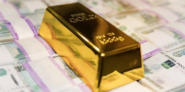 Russia's National Wealth Fund gets greenlight for gold investments as Moscow pursues de-dollarization policy